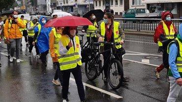 Trotz Regen: Gute Beteiligung und Stimmung beim ersten Streik der LEB Niedersachsen